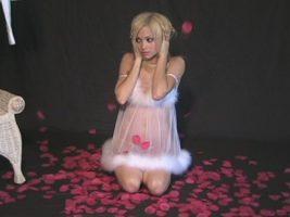 Cute blonde Melanie on Sandlmodels